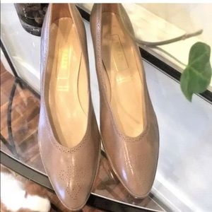 BALLY Classic Beige Taupe Nude  Pump 10 Shoes